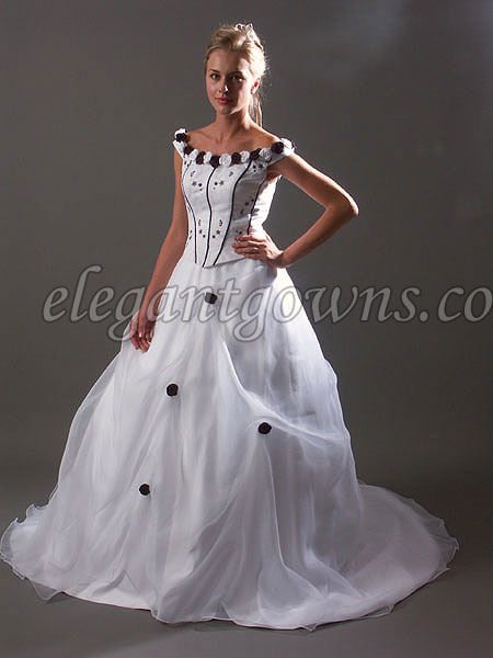 Bianca 39 s blog check out this gorgeous replica of fleur for Harry potter wedding dress