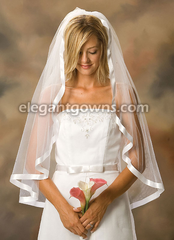 "1 Tier Fingertip Length 7/8"" Ribbon Edge Wedding Veil 1-361-7R-R - Click Image to Close"